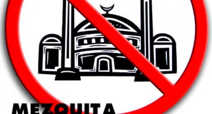 Los Musulmanes deben regresar a sus países<br><span style='color:#006EAF;font-size:12px;'>Matanza de 'Charlie Hebdo'</span>