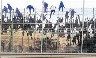 La UE quiere meter hasta 60.000 demandantes de asilo en Europa<br><span style='color:#006EAF;font-size:12px;'>LA INVASIÓN QUE NO CESA</span>