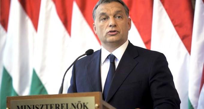 Orban culpa a Soros del flujo migratorio hacia Europa<br><span style='color:#006EAF;font-size:12px;'>DETRÁS DE LA INVASIÓN MIGRATORIA</span>