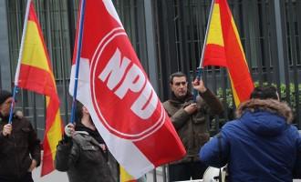 Acción simbólica en varias capitales europeas.<br><span style='color:#006EAF;font-size:12px;'>We stand whith NPD, APF.</span>