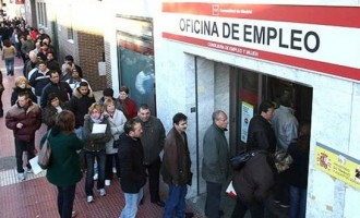 &#8220;Se van a barrer gran cantidad de empleos en todos los sectores. No se librará ninguno&#8221;<br><span style='color:#006EAF;font-size:12px;'>Advierte el economista español Niño-Becarra</span>