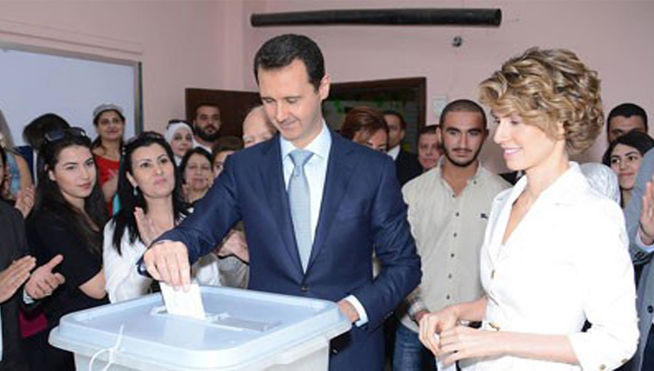 presidente-Bashar-Assad-mujer-Asma_MDSIMA20140603_0198_21