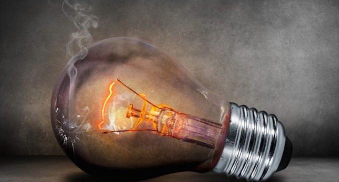 BLANQUERNA /  ESTABLISHMENT EN DAVOS / TARIFA ELÉCTRICA<br><span style='color:#006EAF;font-size:12px;'>MÁS QUE PALABRAS, este sábado de 13 a 14 horas en IVOOX</span>