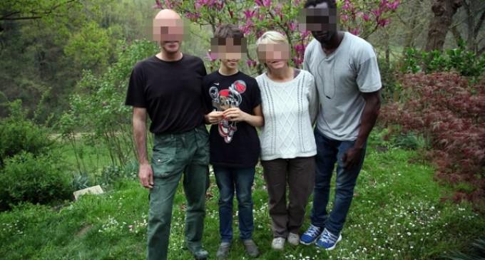 &#8220;Refugiado&#8221; viola a una niña de 12 años amiga de la familia que lo acogía.<br><span style='color:#006EAF;font-size:12px;'>La niña quedó embarazada</span>