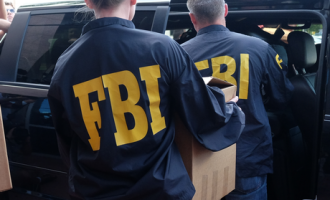 FBI investiga a 300 refugiados en EEUU por sospechas de terrorismo<br><span style='color:#006EAF;font-size:12px;'>STOP ISLAMIZACIÓN</span>