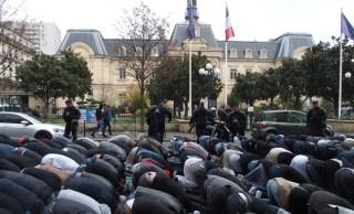 Islamistas toman las calles de Clichy (Francia) al grito de &#8220;Alá es grande&#8221;<br><span style='color:#006EAF;font-size:12px;'>STOP ISLAMIZACIÓN DE EUROPA</span>