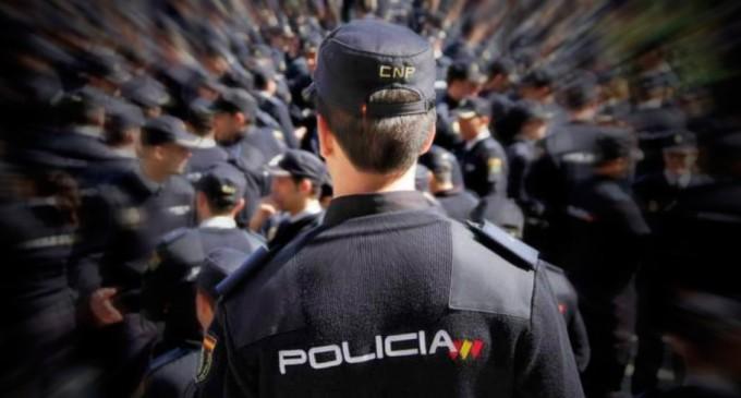 """Comentarios a la actual Ley Orgánica de Protección de la Seguridad Ciudadana 4/2015 o la llamada como """"LEY MORDAZA""""<br><span style='color:#006EAF;font-size:12px;'>Desde el punto de vista de un policía.</span>"""