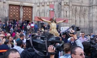 Marcha en Barcelona en defensa de la identidad cristiana y española de Cataluña<br><span style='color:#006EAF;font-size:12px;'>STOP CRISTIANOFOBIA</span>
