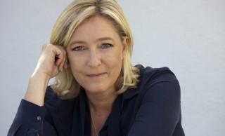 ¡Felicidades Marine !<br><span style='color:#006EAF;font-size:12px;'>El Frente Nacional liderado por Marine Le Pen pasa a la segunda vuelta</span>