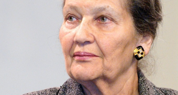 Simone Veil, promotora del aborto en Francia muere a los 89 años.<br><span style='color:#006EAF;font-size:12px;'>La ley Veil introdujo el aborto en Francia en 1975</span>