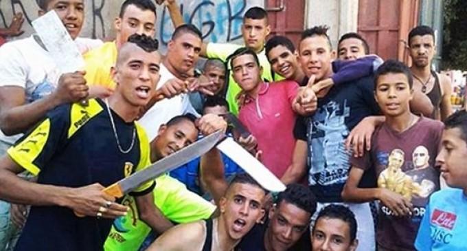 Brutal agresión de marroquíes contra españoles en Manresa (Barcelona)<br><span style='color:#006EAF;font-size:12px;'>STOP ISLAMIZACIÓN DE EUROPA</span>