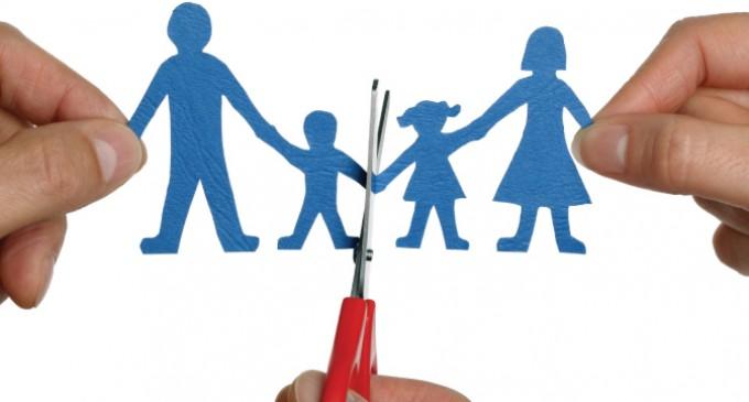 Divorcios, padres transexuales, drogas: así es la familia televisiva de ahora<br><span style='color:#006EAF;font-size:12px;'>INGENIERÍA SOCIAL EN LA TELEVISIÓN</span>