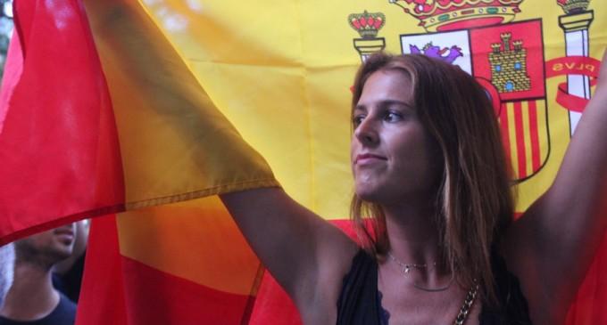 Los catalanes rechazan el 1-O bailando ante sede de ANC y homenaje a la Guardia Civil<br><span style='color:#006EAF;font-size:12px;'>VIDEO DE LAS VOCES DEL PUEBLO</span>