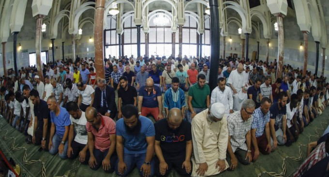 Arabia Saudí ultima su plan para construir otra mezquita en suelo cedido por Podemos<br><span style='color:#006EAF;font-size:12px;'>STOP ISLAMIZACIÓN DE ESPAÑA</span>