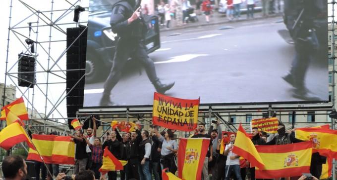 La manifestación que todos los medios te ocultan.<br><span style='color:#006EAF;font-size:12px;'>1 de Octubre: La Otra Cataluña.</span>