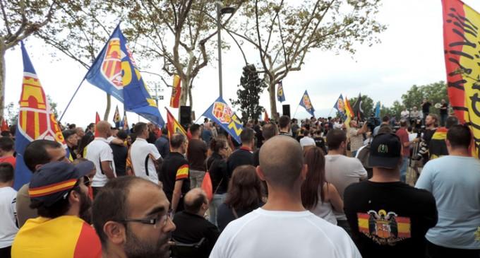Crónica en Imágenes del 12 de Octubre en Barcelona<br><span style='color:#006EAF;font-size:12px;'>DÍA NACIONAL EN MONTJUIC</span>
