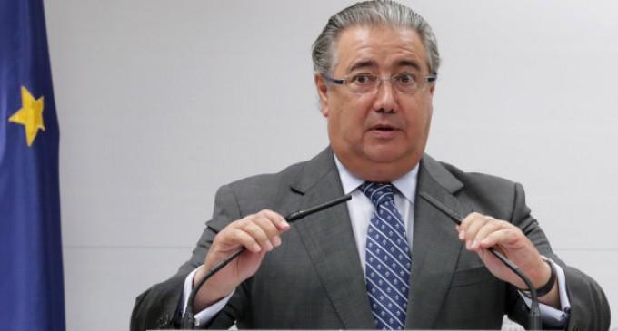La pasividad del ministro Zoido aumenta la inmigración ilegal hacia España<br><span style='color:#006EAF;font-size:12px;'>PAREMOS LA INMIGRACIÓN ILEGAL</span>