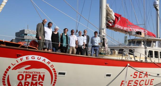Italia inmoviliza barco de ONG promovida por Jordi Evole al favorecer la inmigración ilegal<br><span style='color:#006EAF;font-size:12px;'>STOP MAFIAS DE INMIGRACIÓN MASIVA</span>