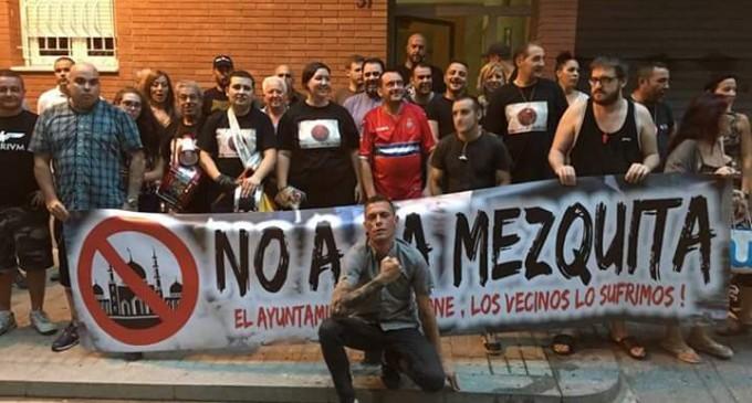 (VÍDEO) Nueva concentración espontánea como réplica a la represión del Ayto. de Barcelona<br><span style='color:#006EAF;font-size:12px;'>LA CALLE JAPÓN NO SE RINDE</span>