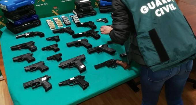 Los antifas, preparados para pasar a la lucha armada<br><span style='color:#006EAF;font-size:12px;'>LA TRIBUNA DE CARTAGENA</span>