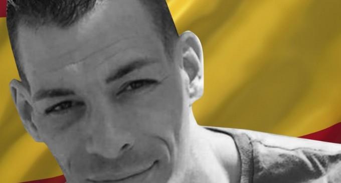 Sale de prisión Raúl Macià, encarcelado tras denuncia falsa de los Mossos<br><span style='color:#006EAF;font-size:12px;'>PONER LA BANDERA DE ESPAÑA NO ES DELITO</span>