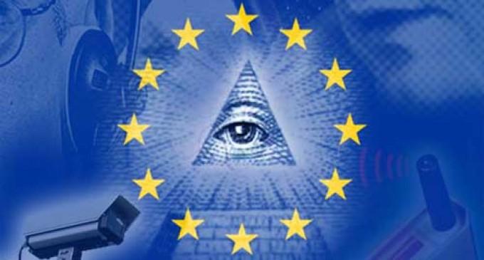 AUDIO: El terrible futuro que les espera a España y a Europa<br><span style='color:#006EAF;font-size:12px;'>RADIO AQUÍ LA VOZ DE EUROPA</span>