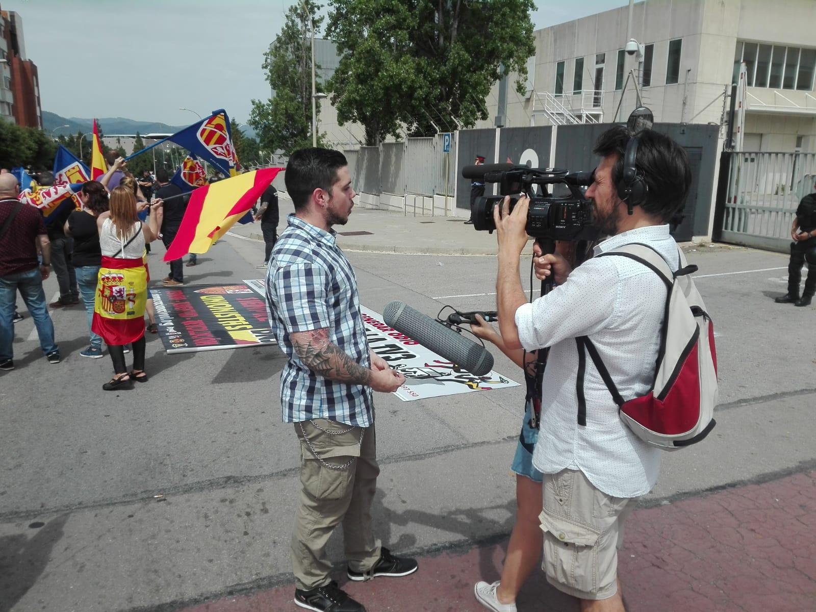 Javi García, responsable de DNJ Cataluña, atendió a los medios de comunicación.
