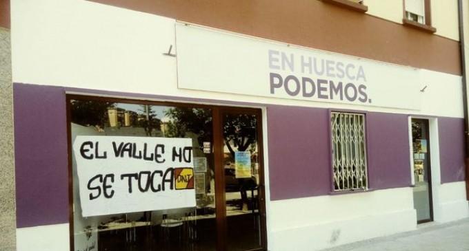 La sede de Podemos en Huesca aparece con una pintada de &#8220;El Valle no se toca&#8221;<br><span style='color:#006EAF;font-size:12px;'>SEGÚN ELDIARIO.ES</span>
