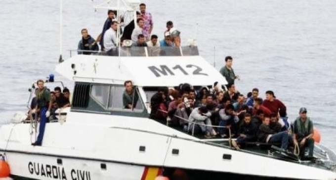 El Ejército también colaborará para traer inmigrantes ilegales a España<br><span style='color:#006EAF;font-size:12px;'>SE SUMA A LA GUARDIA CIVIL</span>