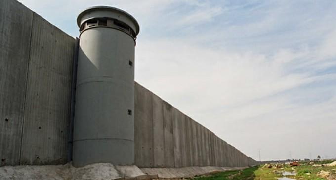 DN pide la construcción de un muro de hormigón en Ceuta para frenar la inmigración ilegal<br><span style='color:#006EAF;font-size:12px;'>ESTO NO PUEDE SEGUIR ASÍ</span>