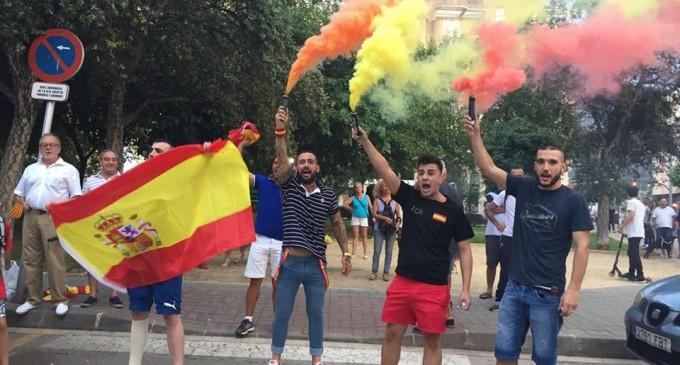 DN en las calles de Barcelona y Alicante<br><span style='color:#006EAF;font-size:12px;'>CONTRA EL SEPARATISMO</span>