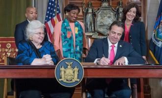 Nueva York aprueba el aborto hasta el mismo momento de dar a luz<br><span style='color:#006EAF;font-size:12px;'>VÍA LIBRE AL ASESINATO LEGAL EN USA</span>