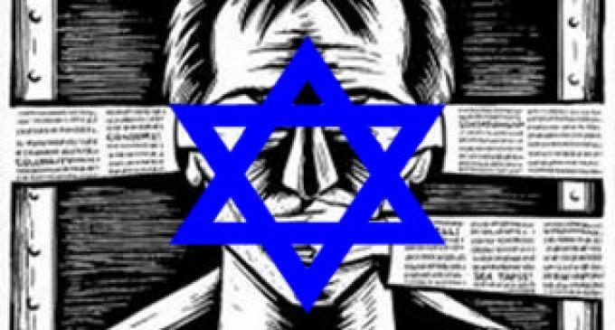 La alianza izquierdista-liberal-sionista fulmina a Fernando Paz<br><span style='color:#006EAF;font-size:12px;'>RADIO AQUI LA VOZ DE EUROPA</span>