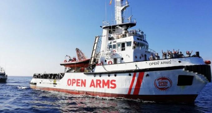 España y otros cinco países europeos acogerán a los inmigrantes del Open Arms<br><span style='color:#006EAF;font-size:12px;'>NUEVA TRAICIÓN CONTRA EUROPA</span>