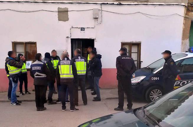operacion-de-la-policia-nacional-en-morales-de-toro-en-2018-zamora24horas