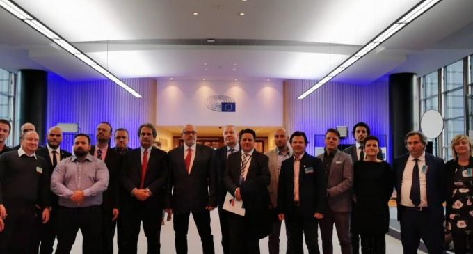 Crónica gira europea de Democracia Nacional<br><span style='color:#006EAF;font-size:12px;'>GONZALO MARTÍN</span>