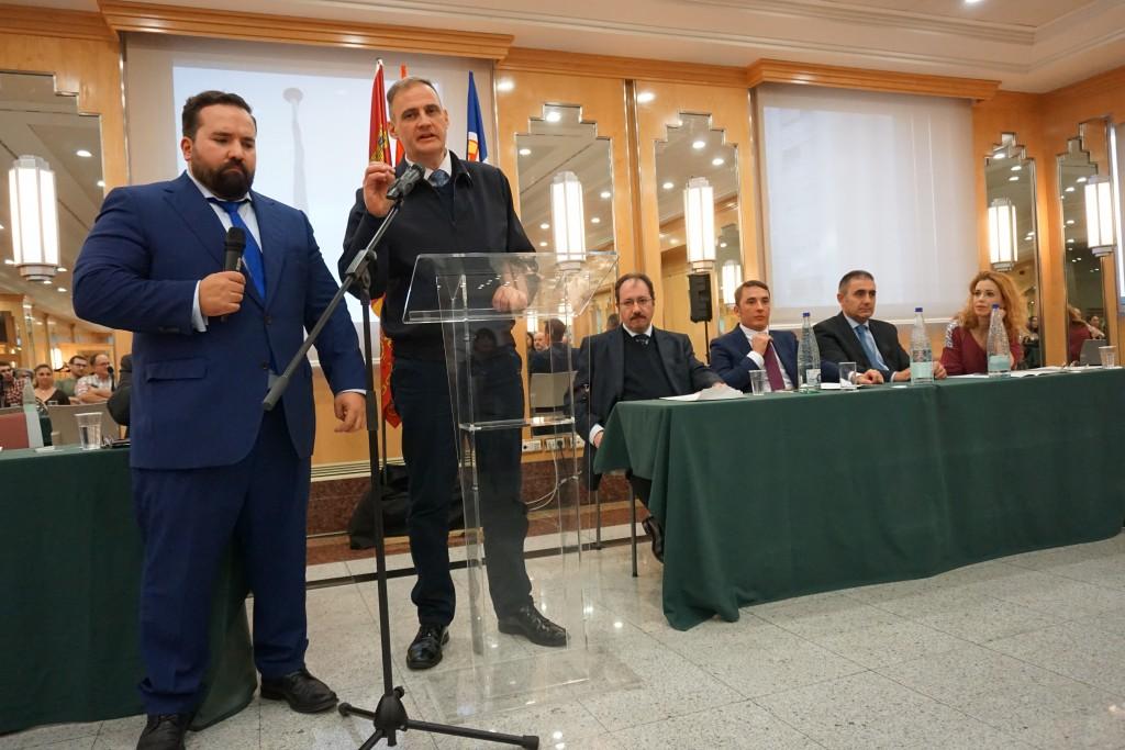 Yvan Benedetti en su discurso que tradujo el Vicesecretario de exteriores Gonzalo Martín,
