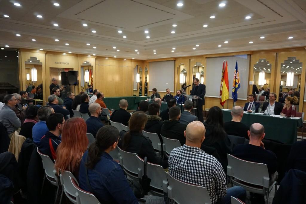 """Luis Mateos de Vega, España, laboratorio político-social""""."""