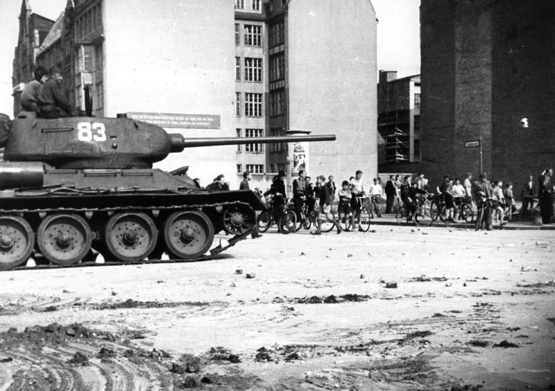 Berlin, Aufstand, sowjetischer Panzer