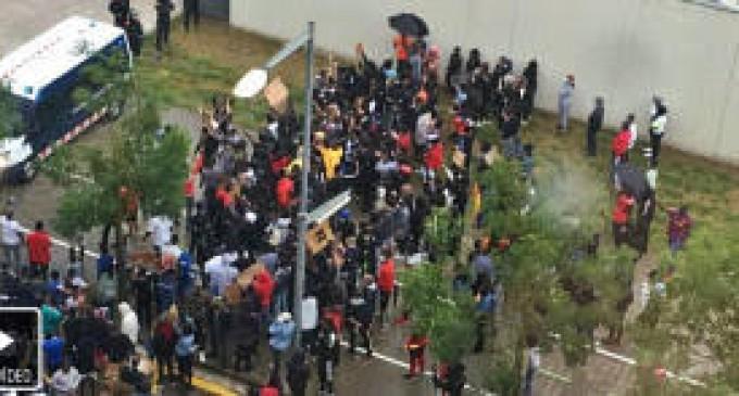 Los Mossos investigan los incidentes tras una manifestación antirracista en Gerona<br><span style='color:#006EAF;font-size:12px;'>COMO EN ESTADOS UNIDOS</span>