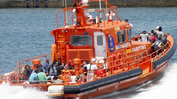 Inmigrantes rescatados por Salvamento Marítimo.