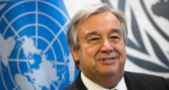 """El jefe de la ONU pide """"solidaridad europea"""" con refugiados sin techo en isla griega de Lesbos<br><span style='color:#006EAF;font-size:12px;'>LA ÚNICA SOLUCIÓN ES LA DEPORTACIÓN</span>"""