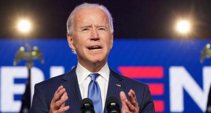 Biden presentará una propuesta para nacionalizar a once millones de inmigrantes<br><span style='color:#006EAF;font-size:12px;'>YA EMPIEZAN</span>