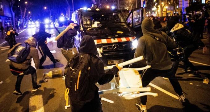 Ante una nueva jornada de terrorismo callejero marxista<br><span style='color:#006EAF;font-size:12px;'>POR LA CONDENA A HASEL</span>