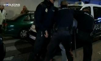 Primeros disturbios en España<br><span style='color:#006EAF;font-size:12px;'>INMIGRACIÓN</span>