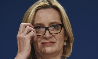 """Ministra del Interior británica, Amber Rudd: """"Los británicos primero""""<br><span style='color:#006EAF;font-size:12px;'>ALTO A LA INMIGRACIÓN MASIVA</span>"""