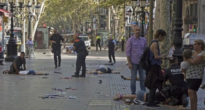 Ante el atentado islamista de Barcelona<br><span style='color:#006EAF;font-size:12px;'>EUROPA SIGUE SIENDO ATACADA</span>