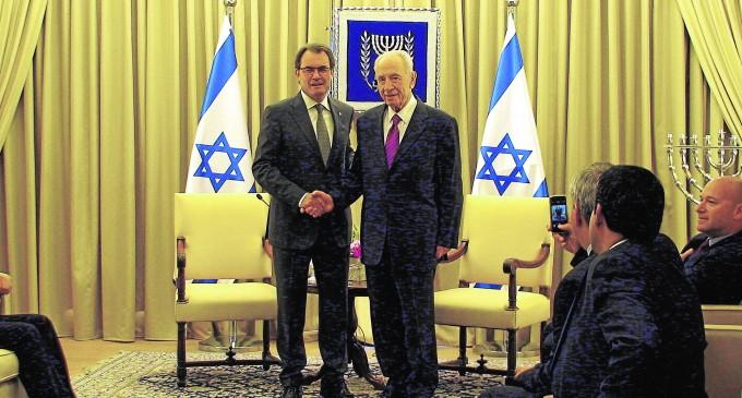 Más vínculos entre el separatismo catalán e Israel<br><span style='color:#006EAF;font-size:12px;'>DETRÁS DEL INDEPENDENTISMO</span>