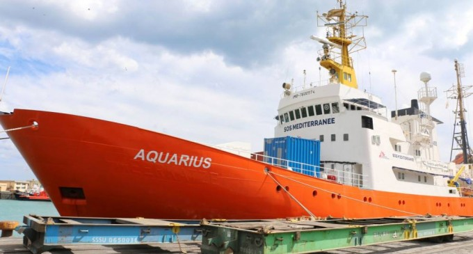 El 80% de los italianos apoyan la decisión del gobierno de bloquear los puertos al Aquarius<br><span style='color:#006EAF;font-size:12px;'>ESPAÑA DEBE HACER LO MISMO</span>