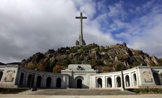 Toda la verdad y nada más que la verdad sobre el Valle de los Caídos<br><span style='color:#006EAF;font-size:12px;'>Por Alberto Bárcena y Laureano Benítez Grande-Caballero</span>